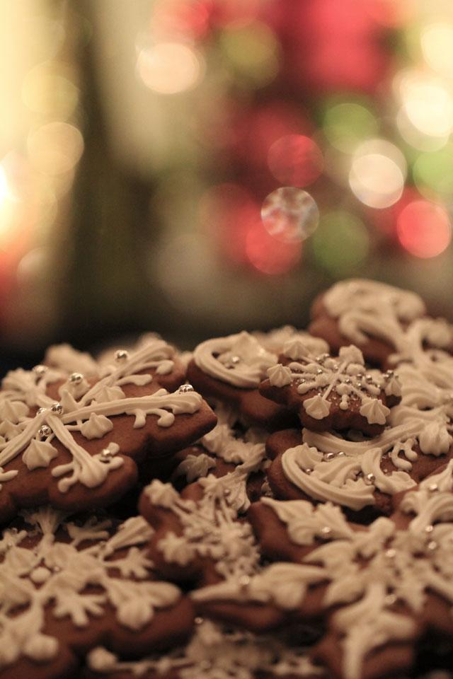 snowflake-cookies-by-colette-komm