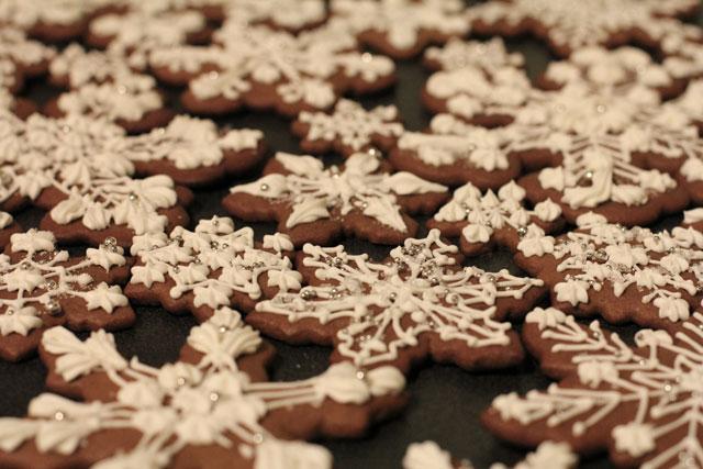 snowflake-gingerbread-cookies2