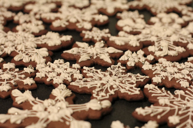 snowflake-gingerbread-cookies2