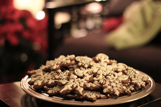 snowflake-gingerbread-cookies4