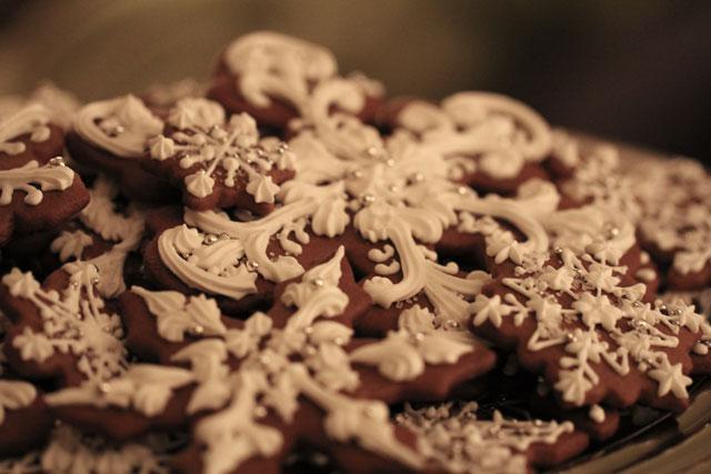snowflake-gingerbread-cookies7